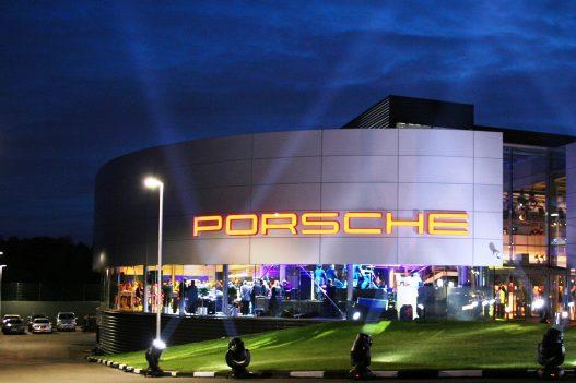 Unger Steel Generalunternehmung Porsche Moskau